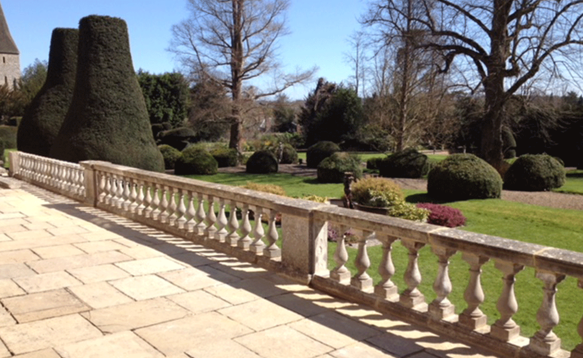 Dressed stone balustrades & coping stones