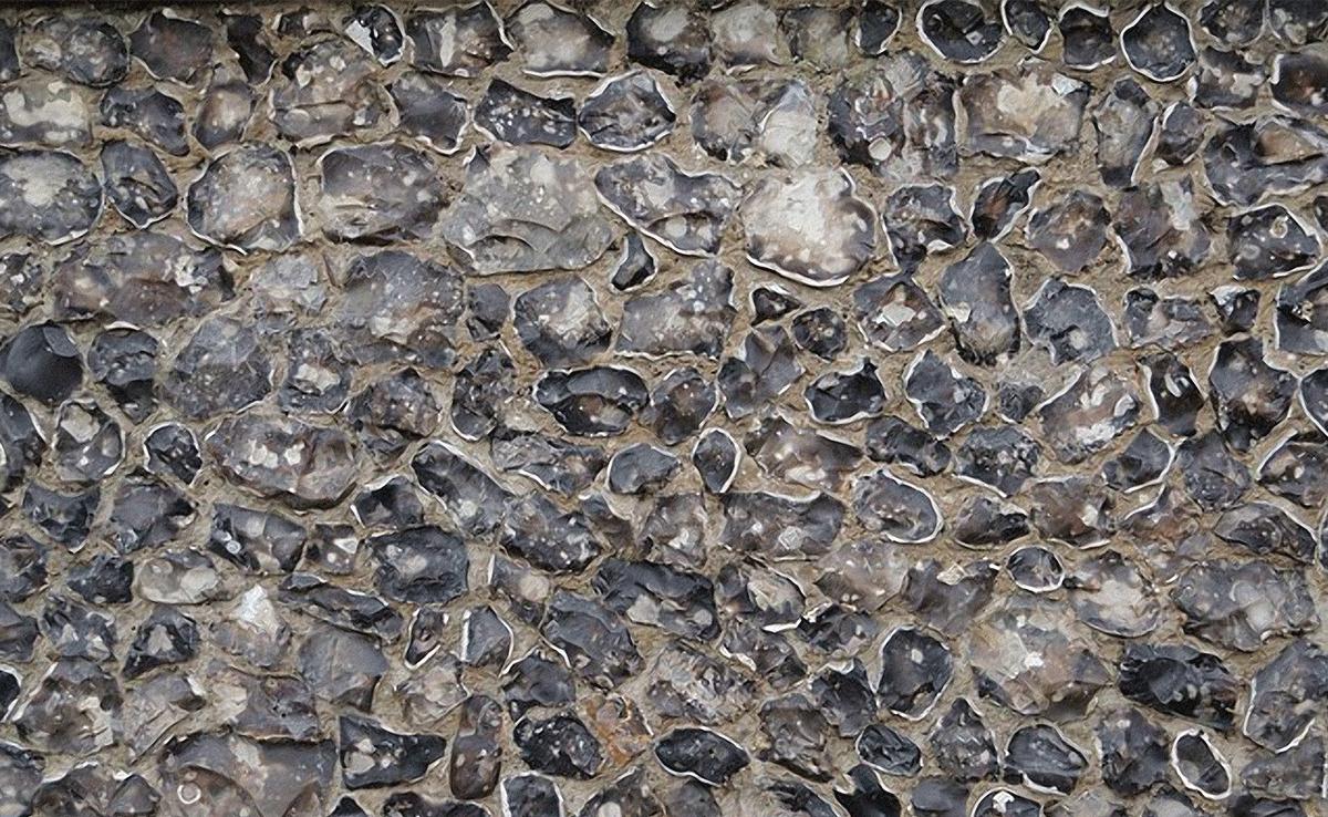 Flint wall construction