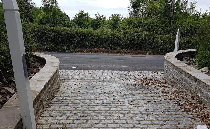 Dressed rag stone radius retaining walls